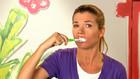 Vorschaubild 'Anke putzt sich die Zähne auf Vorrat'