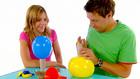 Vorschaubild 'Tanja und André basteln eine Luftballonrassel'